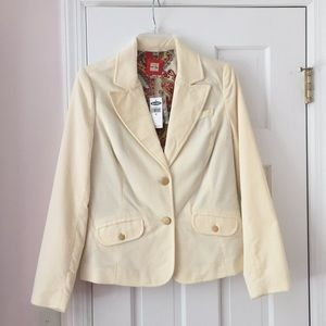 Amazing off-white velvet blazer with gold buttons